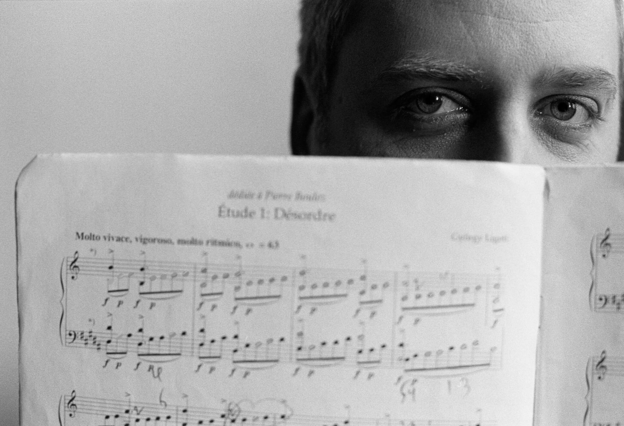 Jeremy Denk with sheet music