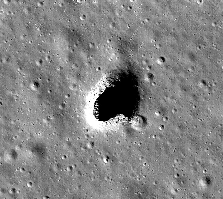 Laba tube on moon