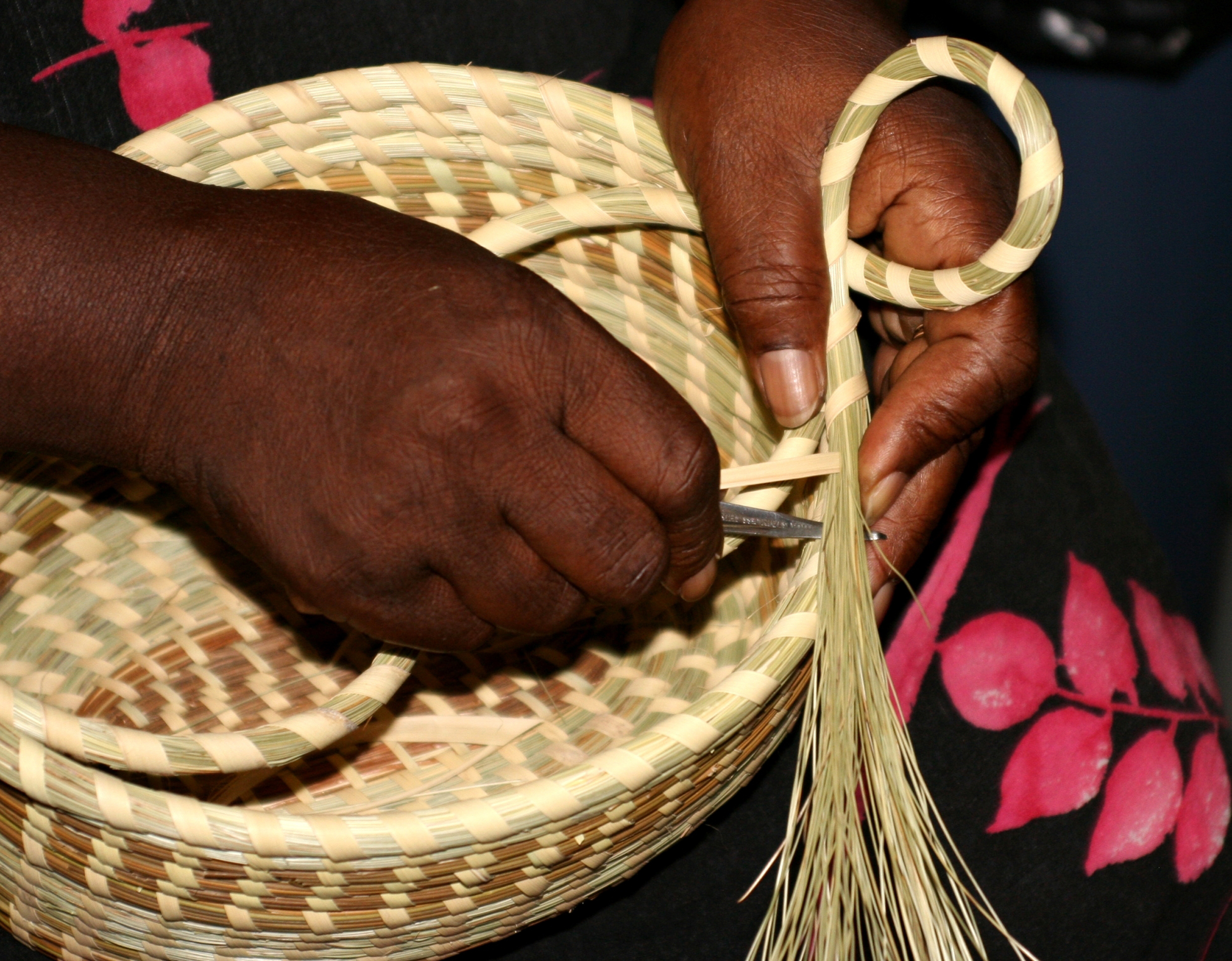 How To Weave A Sweetgrass Basket : Black cultural center to begin look at african culture