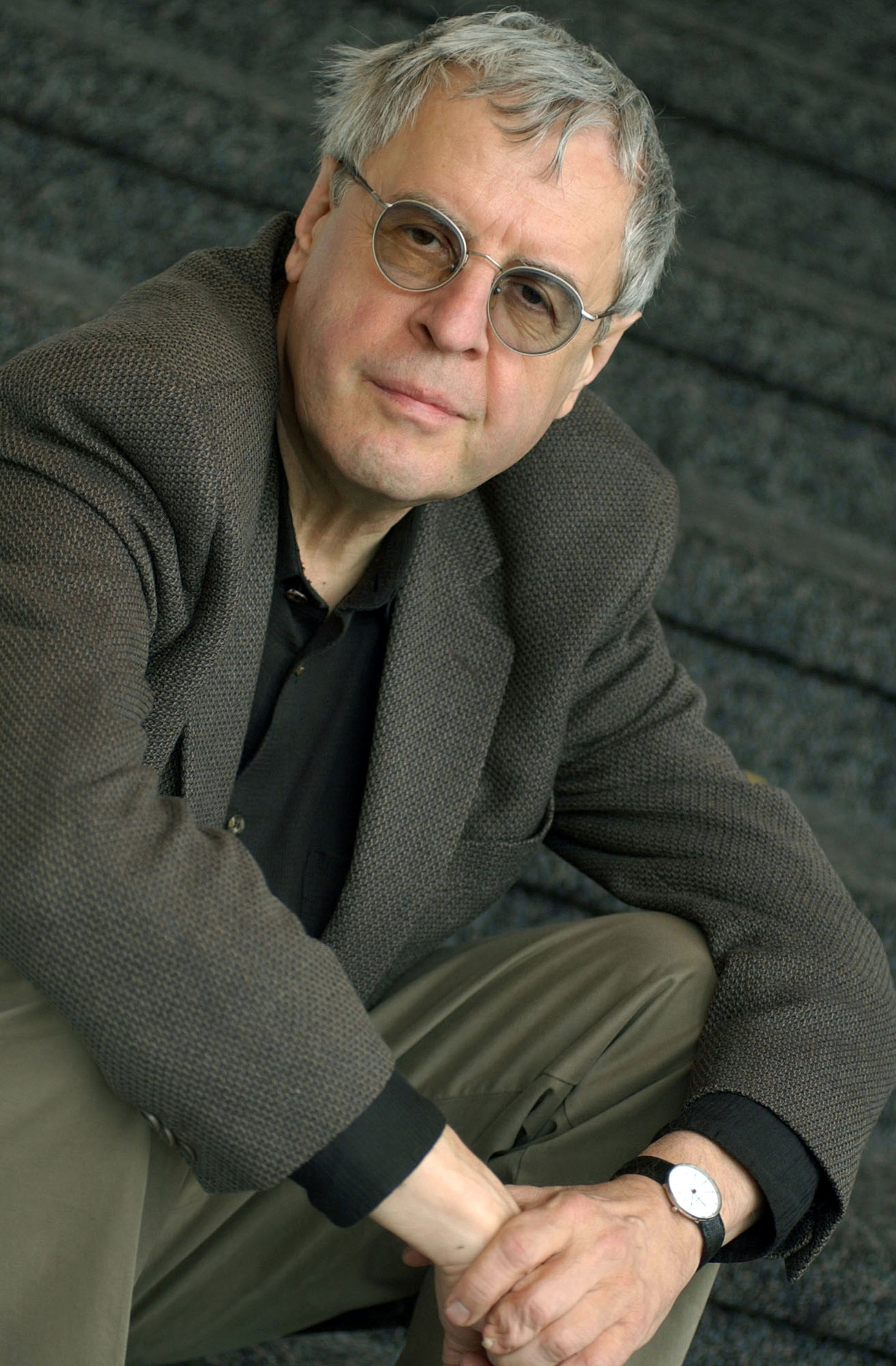 the unexpected in the world doesnt end a poem by charles simic Get this from a library the world doesn't end : prose poems [charles simic] -- a pulitzer prize-winning collection of prose poems by charles simic.