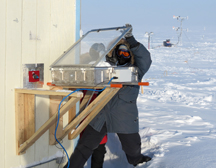 Kerri Pratt snow chamber experiment