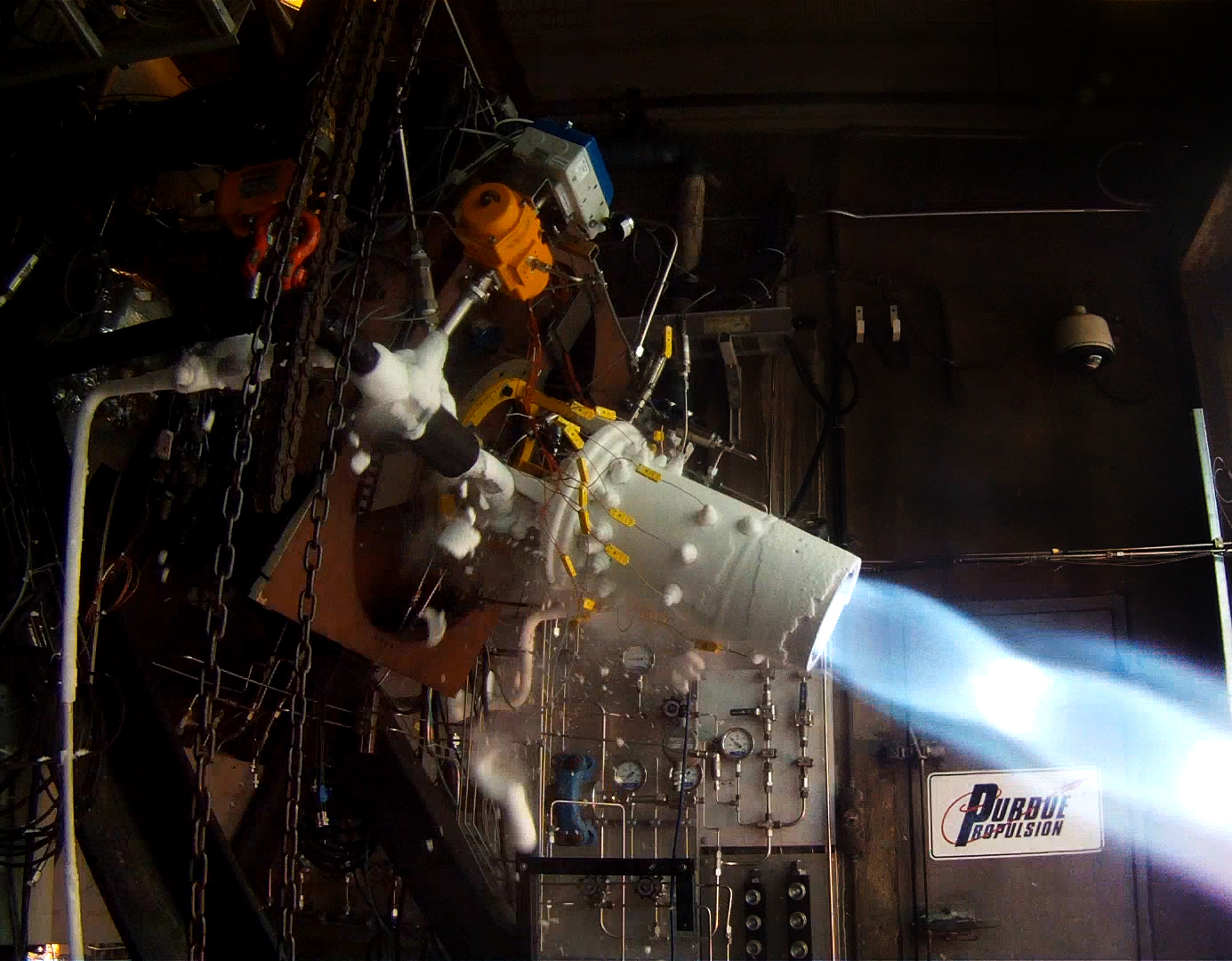 Lunar-landing rocket research hits milestone with 'hot ...