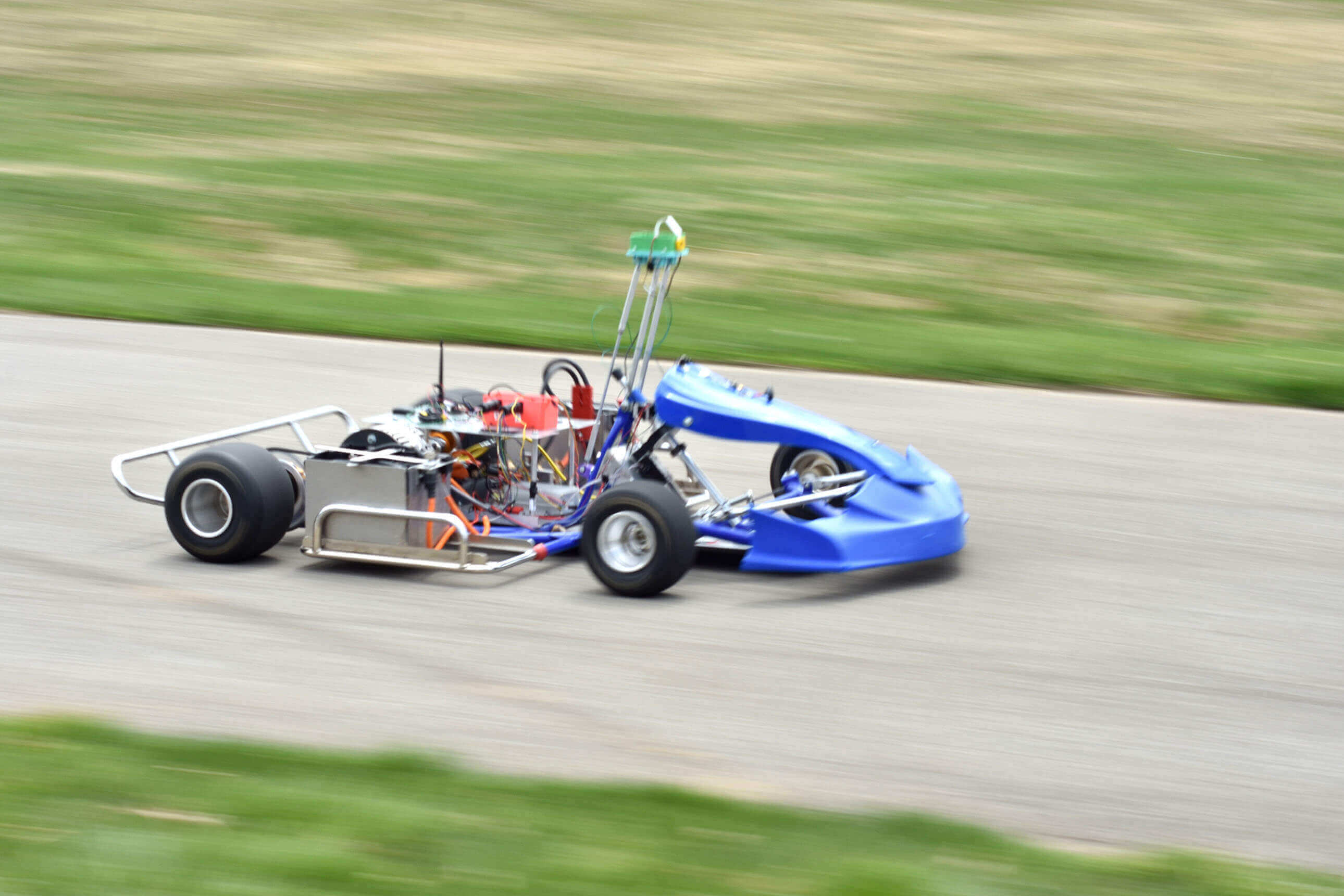 Autonomous go-karts: Don't pour a bottle of milk over this race