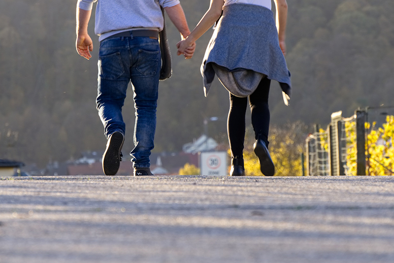pair-walking-portrait