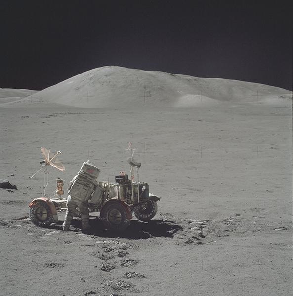schmitt-moon